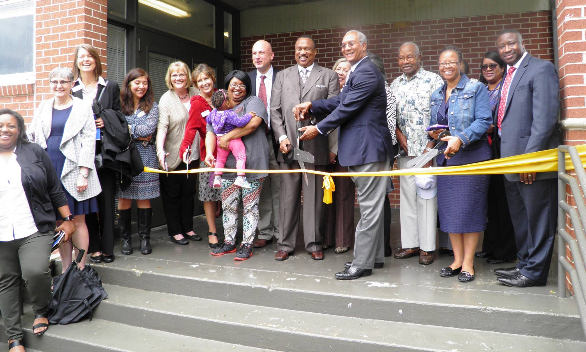 Ribbon-Cutting-Meadowbrook